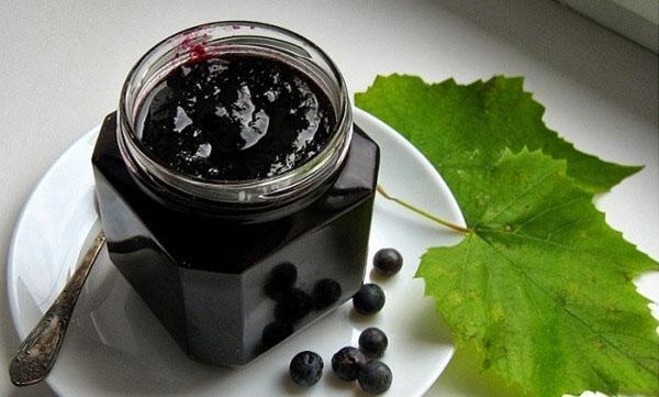 густой виноградный десерт