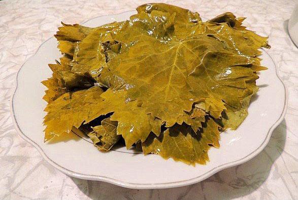 замороженные виноградные листья