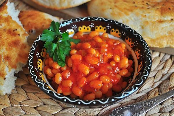 фасоль в томате к обеду