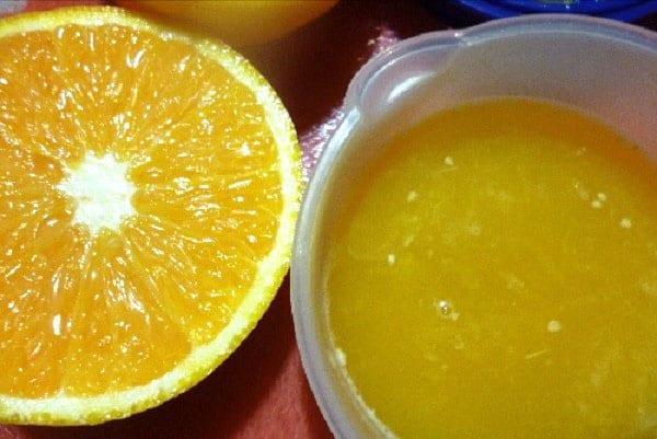 отжать сок апельсина