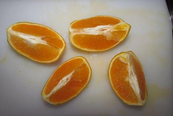 разрезать апельсин на 4 части