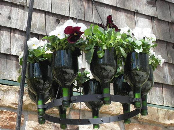 подвесные клумбы в саду