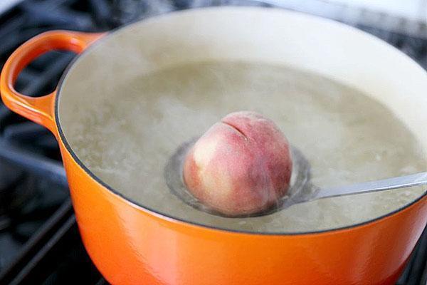 бланшировать персики