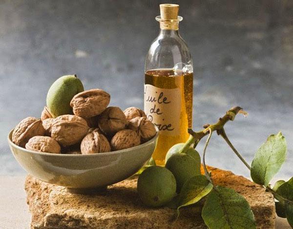 богатое микроэлементами масло грецкого ореха