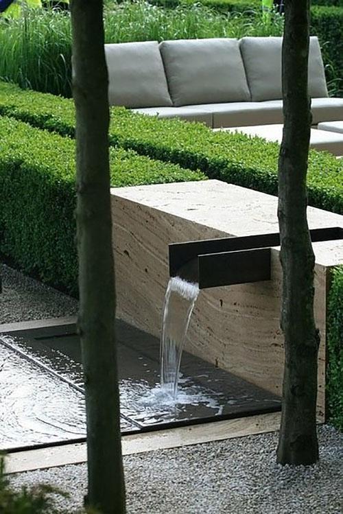 источник воды в стиле хай-тек