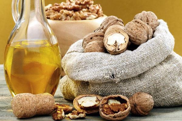 Масло грецкого ореха  полезные свойства и противопоказания применение