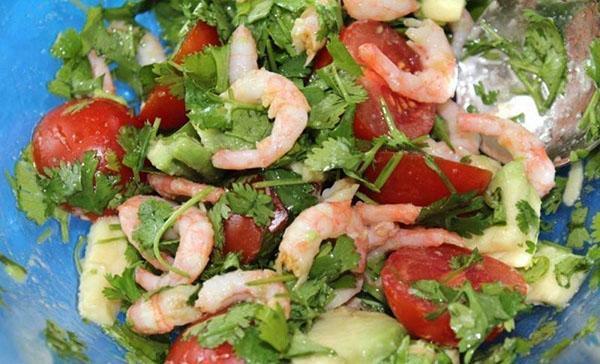 заправить салат растительным маслом