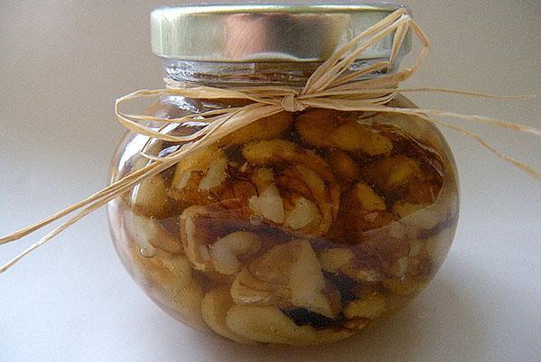 залитые медом орехи