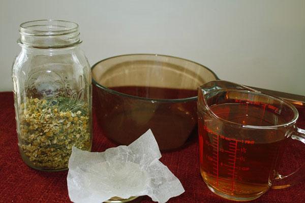 лекарственная ромашка в домашней аптечке