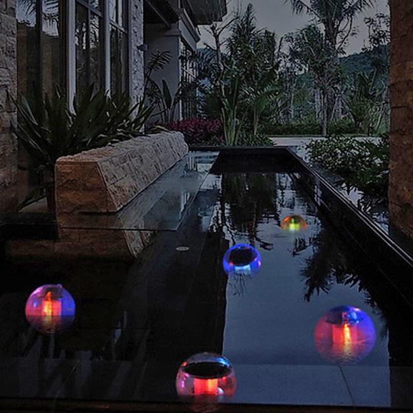 мерцают плавающие светильники