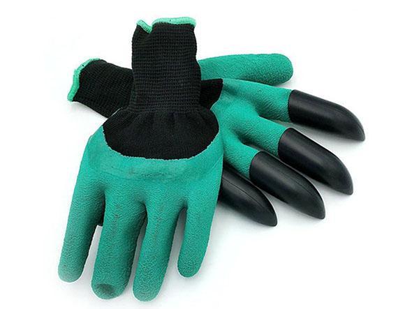 пара прорезиненных перчаток с когтями