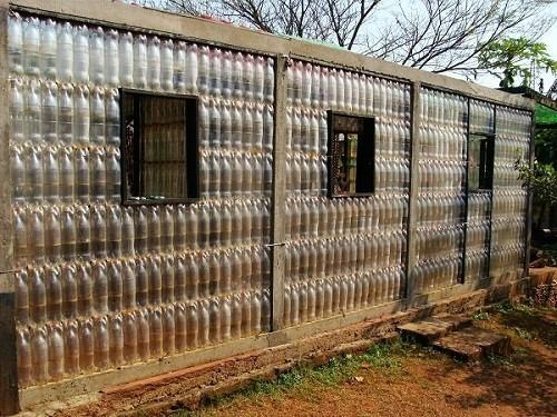 летний домик из пластика