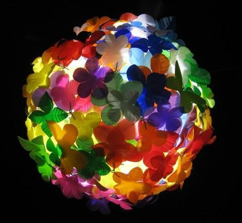 цветная пластиковая люстра