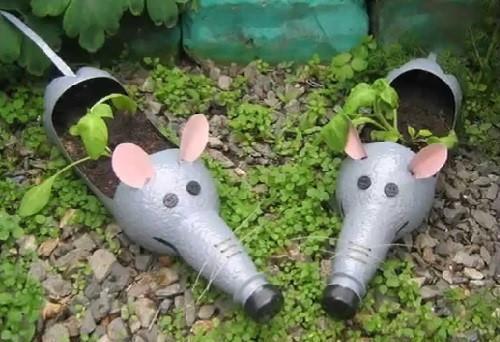 мыши на лужайке
