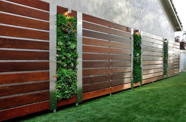 забор из горизонтальных деревянных досок