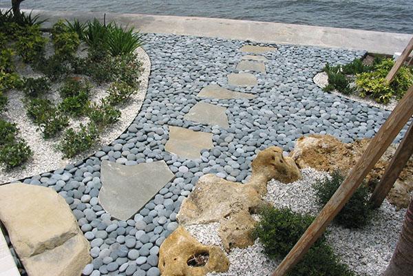 дикие камни для садовых дорожек