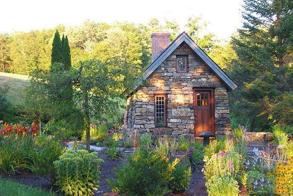 каменный домик для постоянного проживания