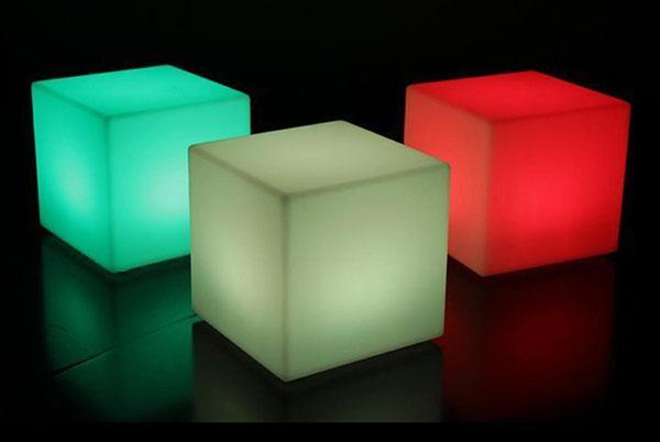 светящиеся кубы для сада