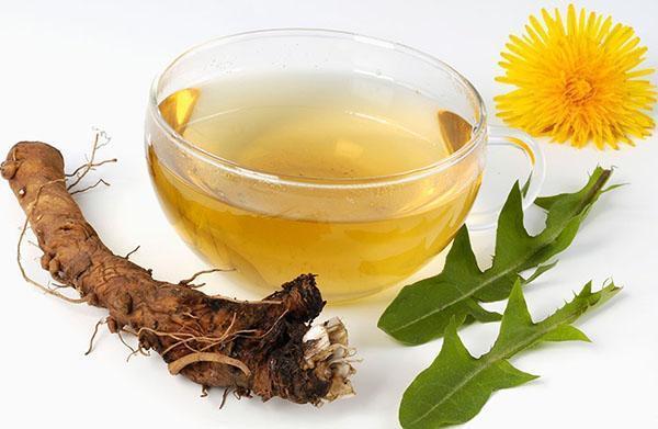 для заваривания чая используют цветы, листья и корни