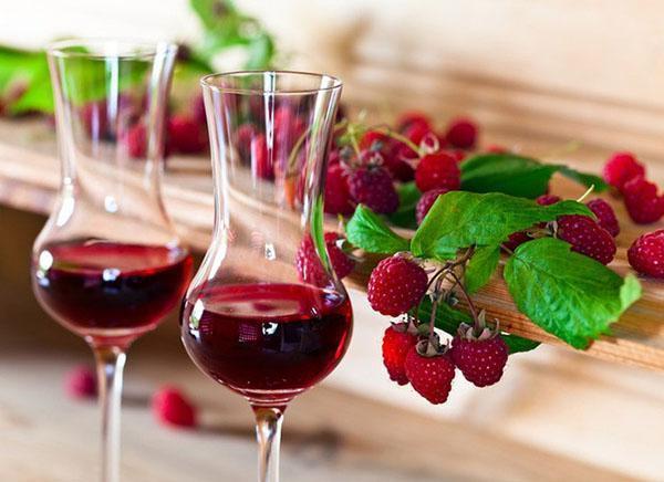 ароматное малиновое вино