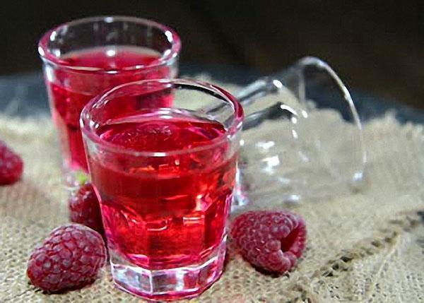 нежное вино из малины