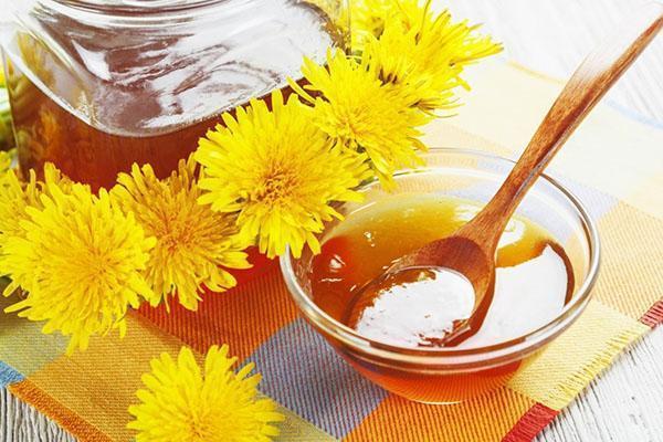 Целебная защита от болезней  мед и варенье из одуванчиков