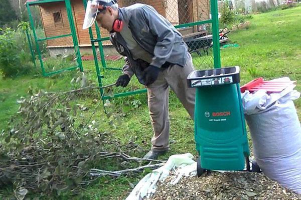 измельчитель садовый марки Бош