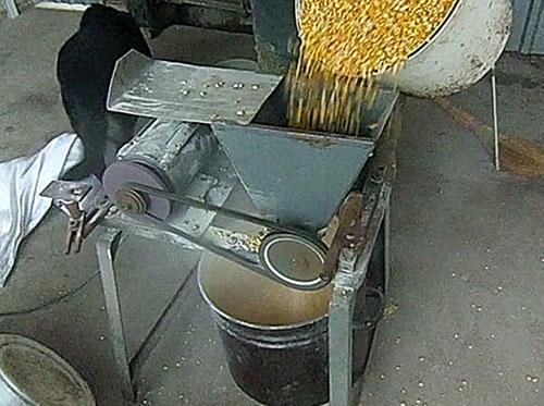самодельный измельчитель зерна