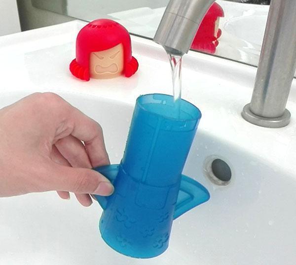 наполнить емкость водой