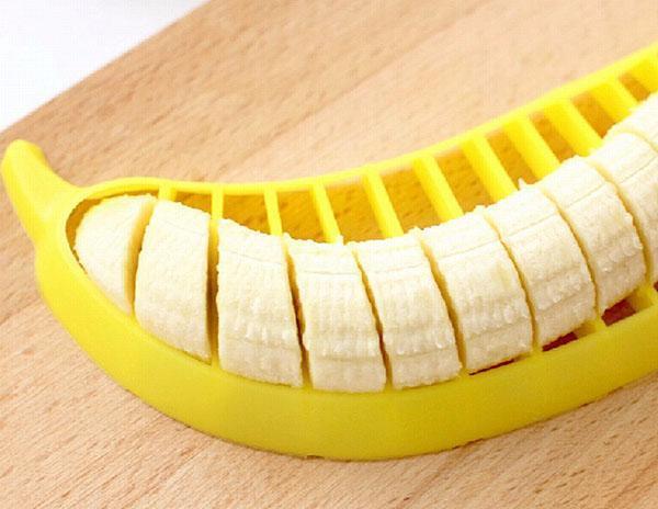 нарезаем банан ровно и красиво