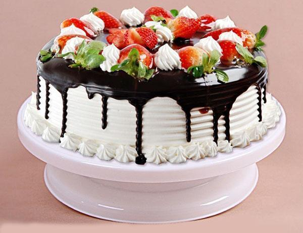 оформление торта на подставке