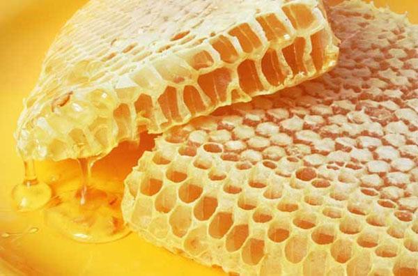 мед акации в сотах