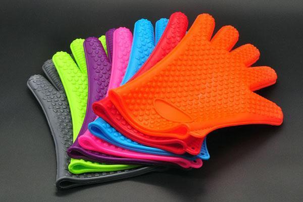 разноцветные силиконовые перчатки