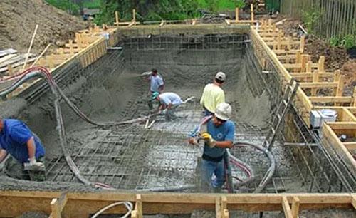 бетонирование бассейна гидротехническим бетоном