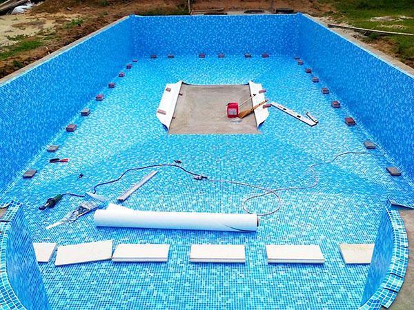 бутилкаучуковая пленка для отделки бассейна