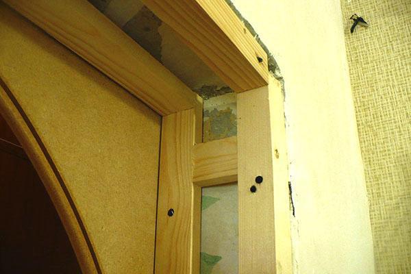 установка деревянного каркаса