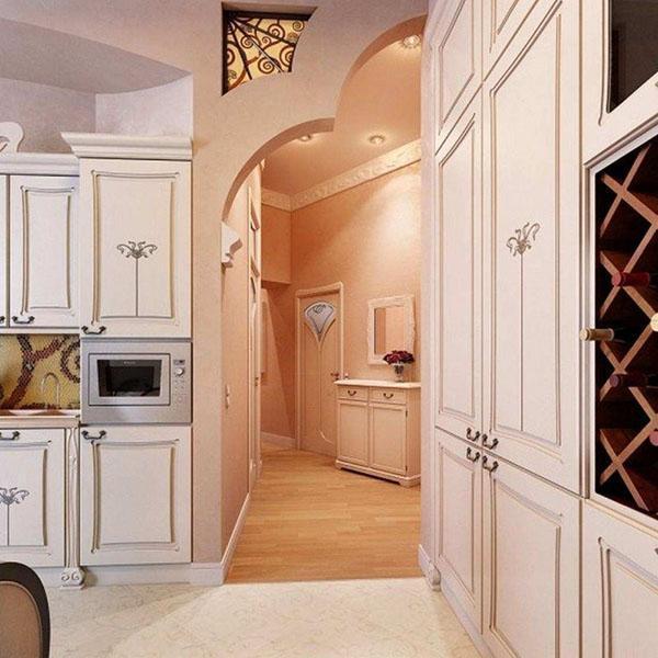 арка между кухней и коридором