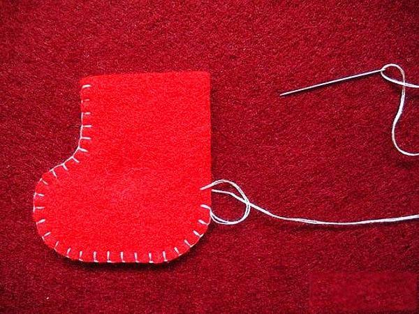 сшиваем детали сапожка носочка