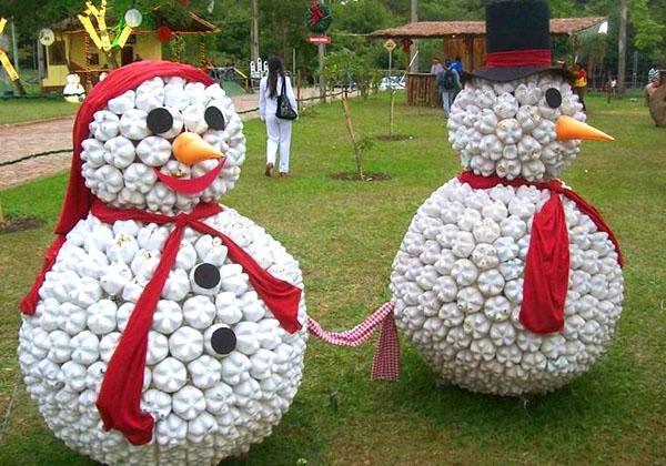большие снеговики