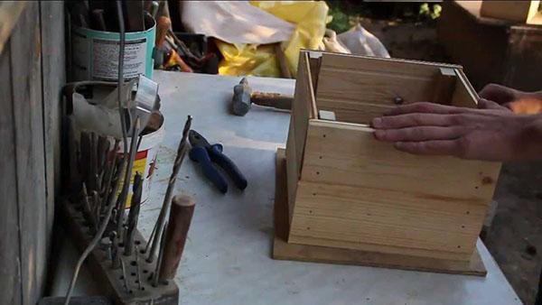 процесс изготовления вазона из дерев