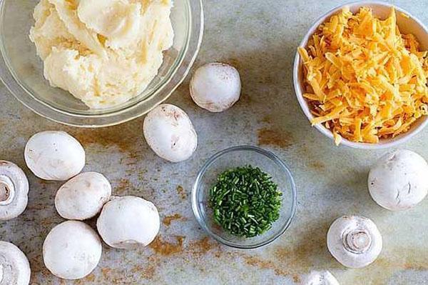 грибы с картофельным фаршем