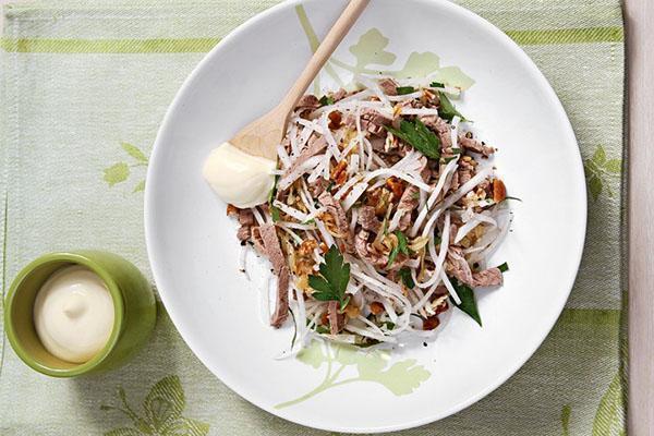 салат из дайкона и говядины