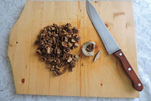 мелко нарезать грибы