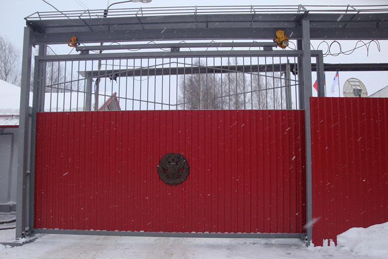 подвесные откатные ворота своими руками