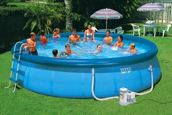 очищаем воду в бассейне