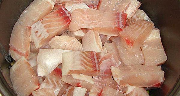 филе рыбы измельчить