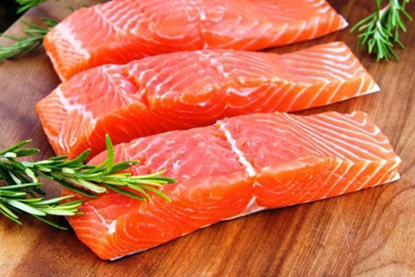 отварить филе красной рыбы