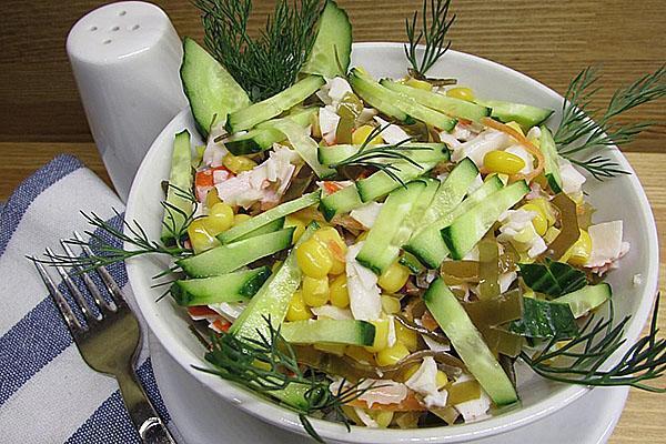салат с добавлением морской капусты