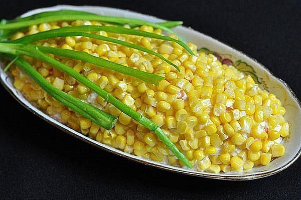 праздничный салат из кукурузы