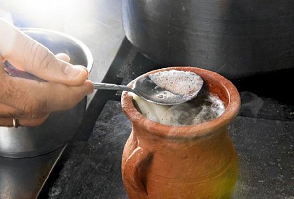 варить суп в горшке